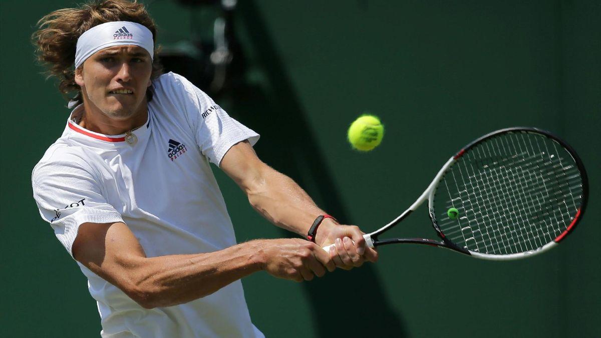 Zverev steht in Wimbledon in Runde zwei