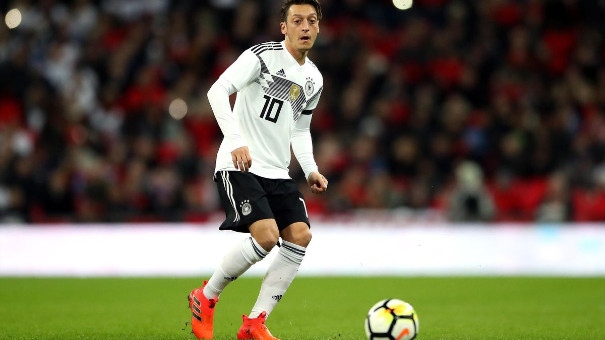 Arsenal midfielder Mesut Ozil hit out at his treatment by the German Football Association