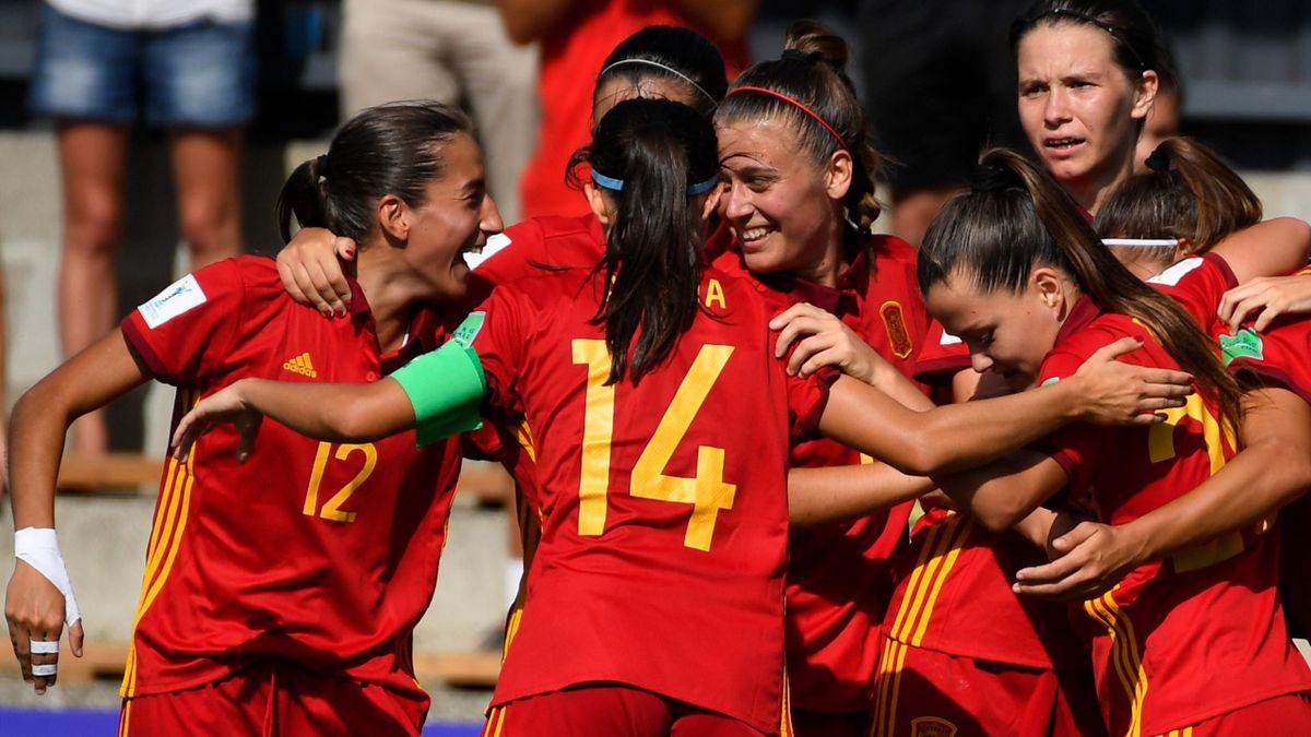 España celebra uno de sus goles ante Paraguay en el Mundial sub-20