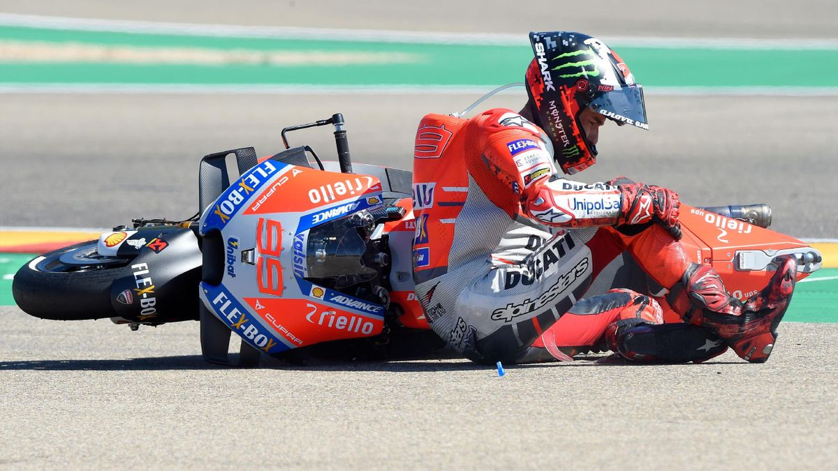 Jorge Lorenzo sufrió una caída en MotorLand