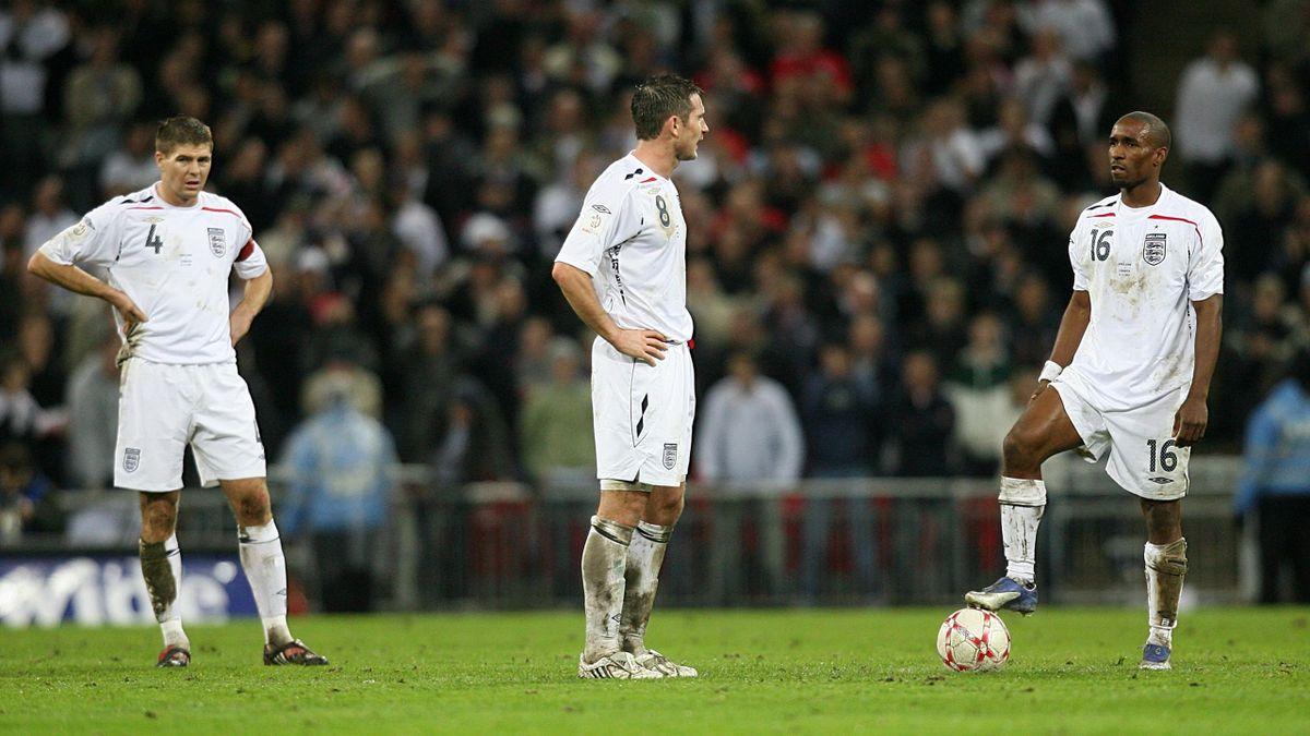 Jermain Defoe (right) played alongside Steven Gerrard (left) and Frank Lampard (centre) for England