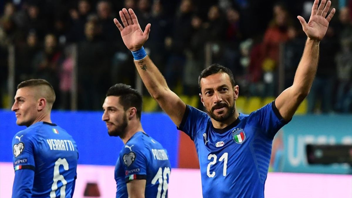 Fabio Quagliarella esulta dopo aver segnato contro il Liechtenstein
