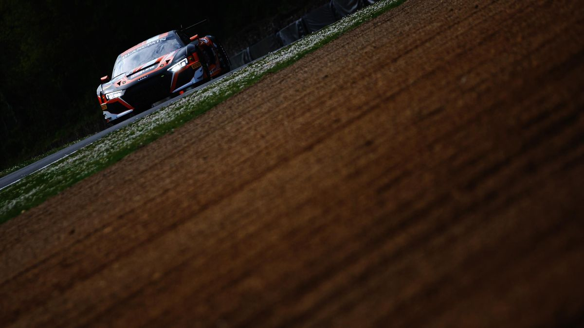 Dinamic Motorsport Porsche wins 2019 Blancpain GT Series season-opener at Monza