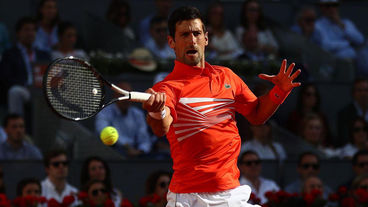 Novak Djokovic durante la final del Mutua Madrid frente a Stefanos Tsitsipas