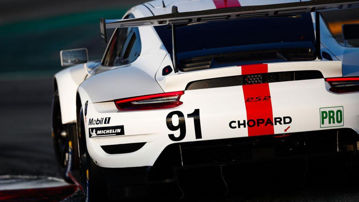 Porsche gewinnt Regenschlacht von Spa