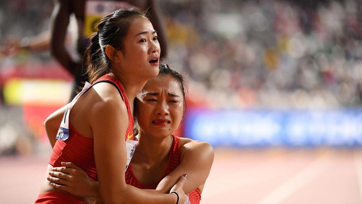 China relevos lloran
