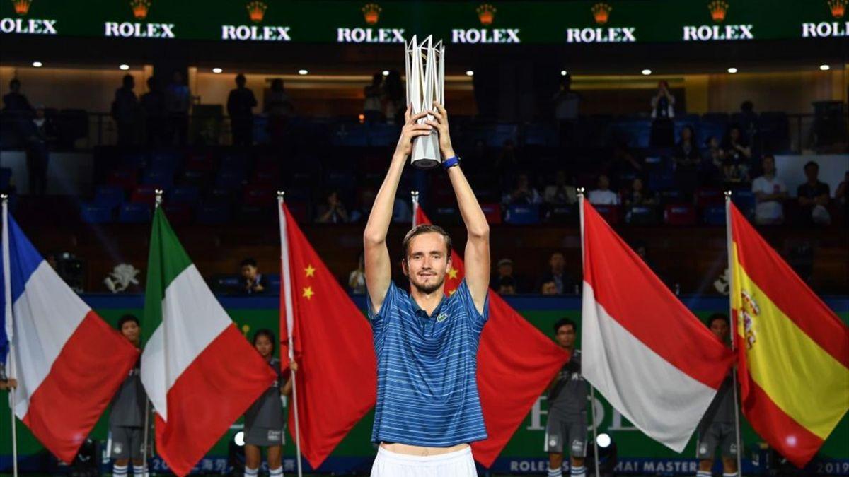Medvedev con el trofeo de campeón