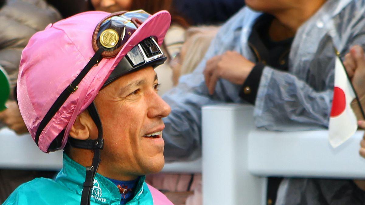 Lanfranco Dettori sacré Longines World's Best Jockey 2019