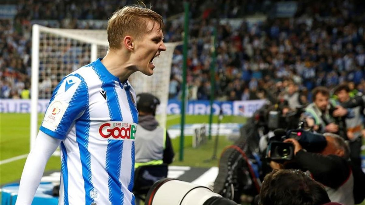 Odegaard celebrando el gol