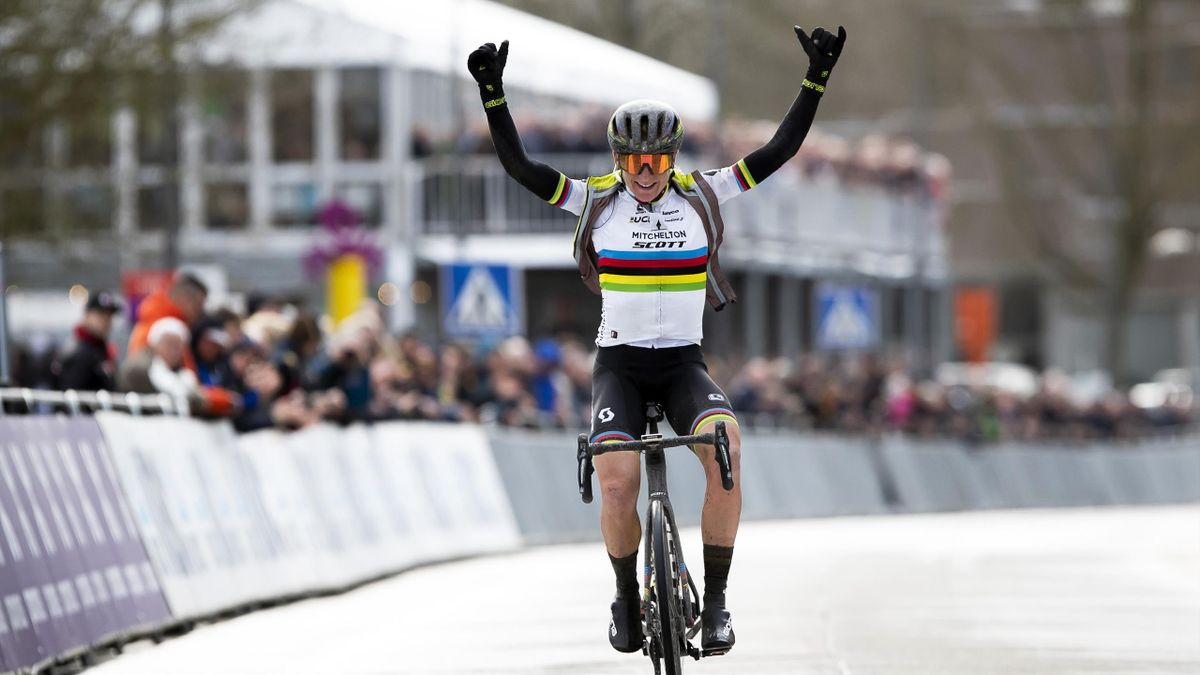Dutch rider Annemiek van Vleuten of Mitchelton - Scott celebrates after winning the women's elite race during the 75th edition of the one-day cycling race 'Omloop Het Nieuwsblad', a 126,1 kilometres race from Merelbeke to Ninove, on February 29, 2020.