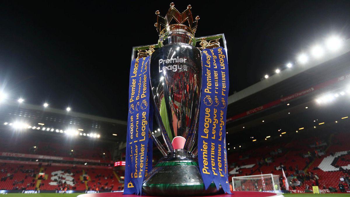 Trofeul Premier League acordat campioanei
