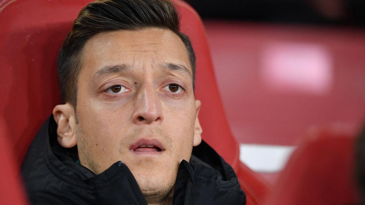 Mesut Özil mai are un an de contract cu Arsenal și nu intenționează să plece de la echipă în această vară