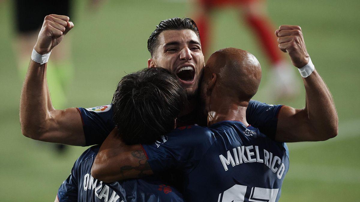 El Huesca celebra su ascenso a Primera