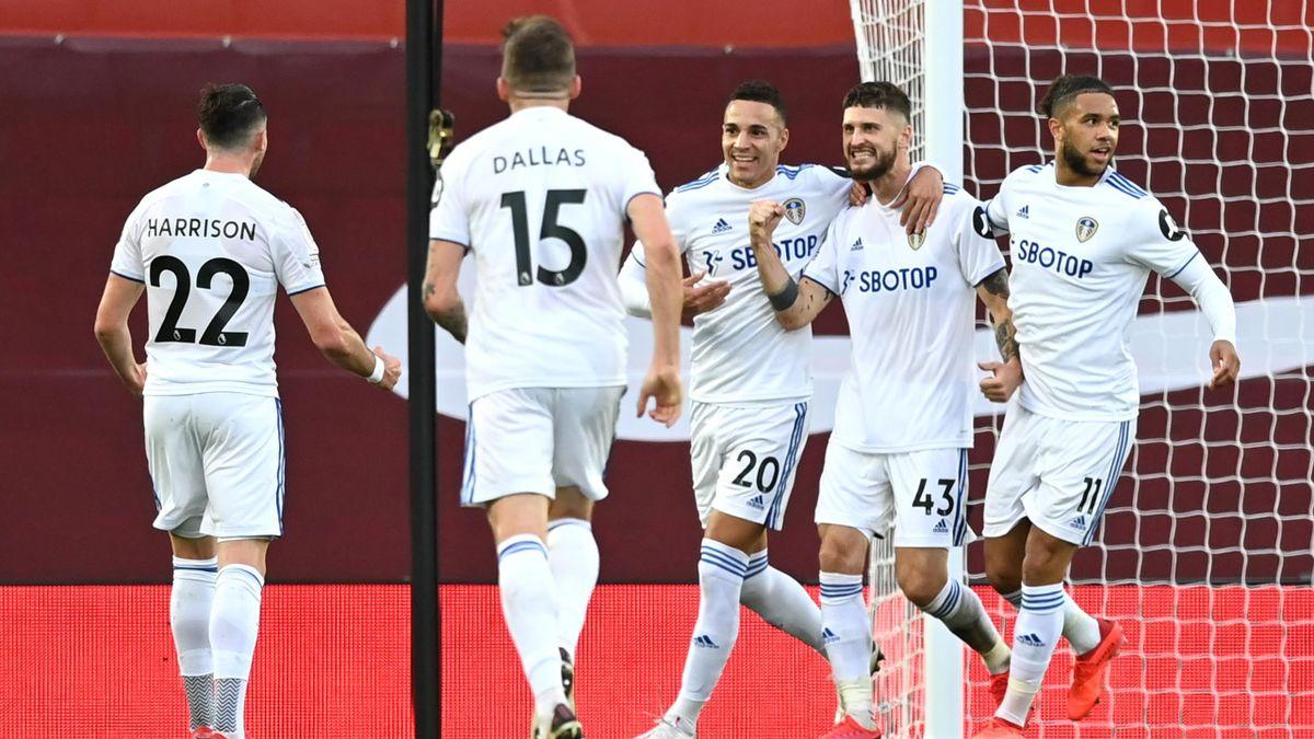 Klich celebrates for Leeds