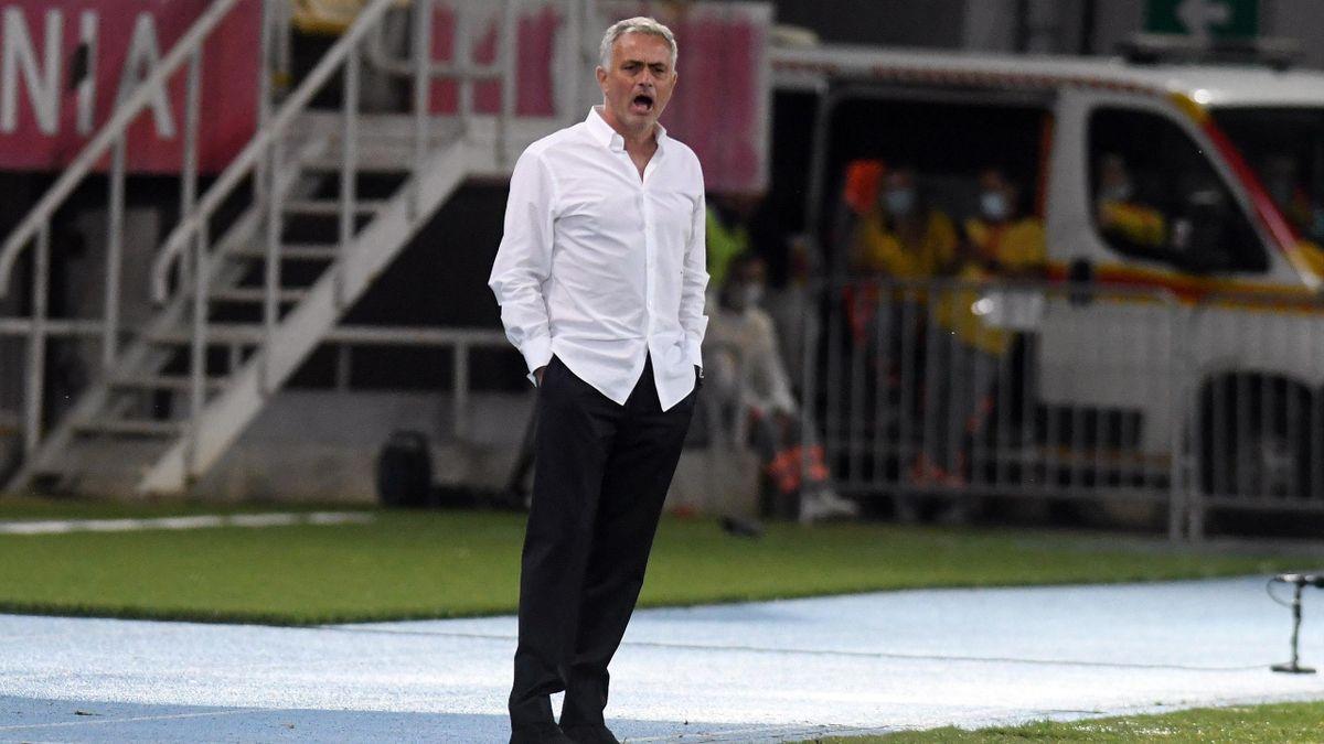 Verwundert über zu kleine Tore: Jose Mourinho