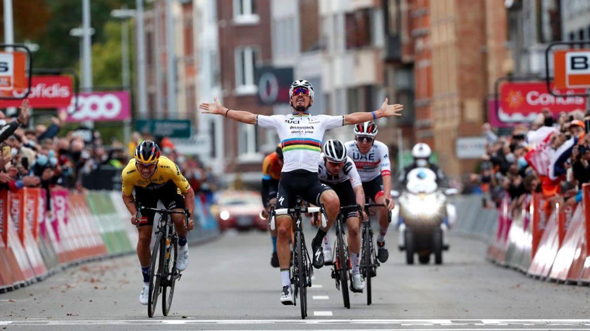 Alaphilippe s-a bucurat prea devreme și a fost depășit de Primoz Roglic la finishul din Liege-Bastogne-Liege