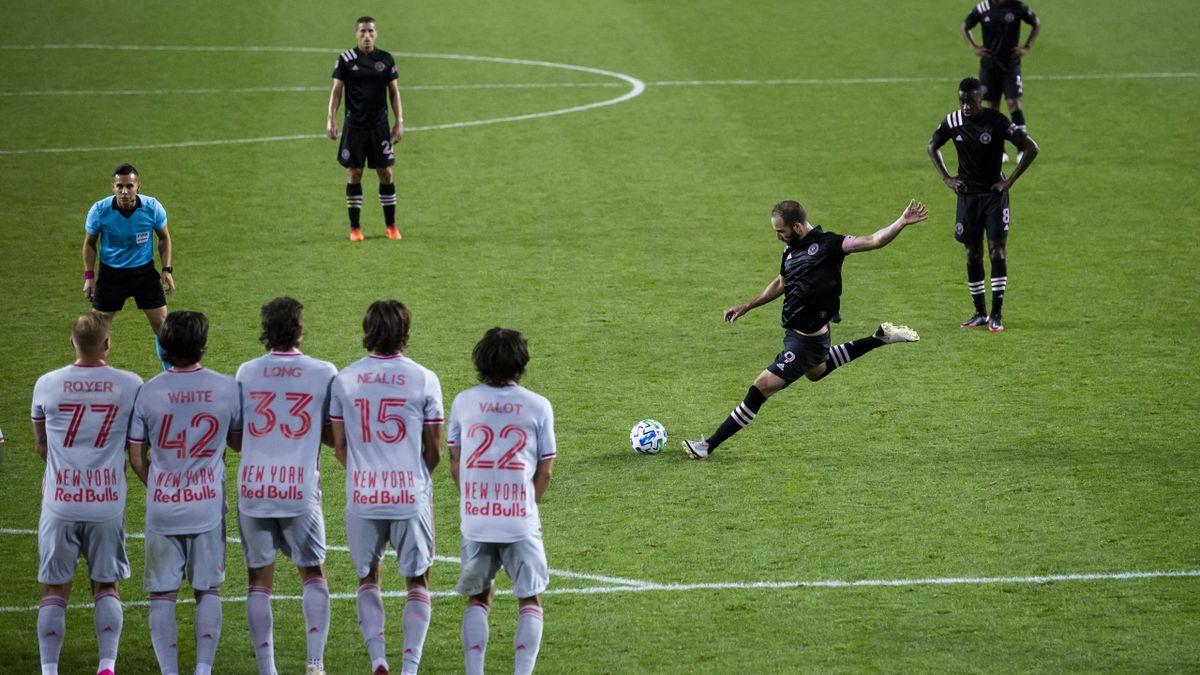 Gonzalo Higuain segna il suo primo gol in MLS