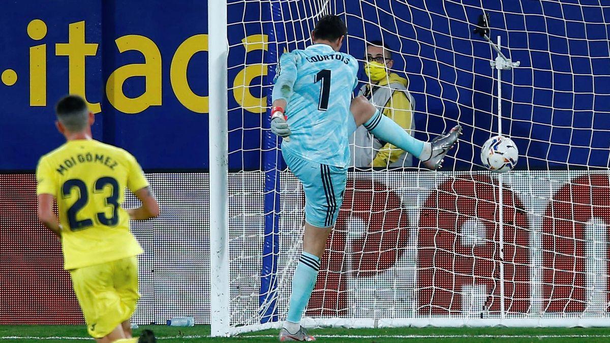 Courtois, enfadado tras encajar el penalti en el Villarreal-Real Madrid