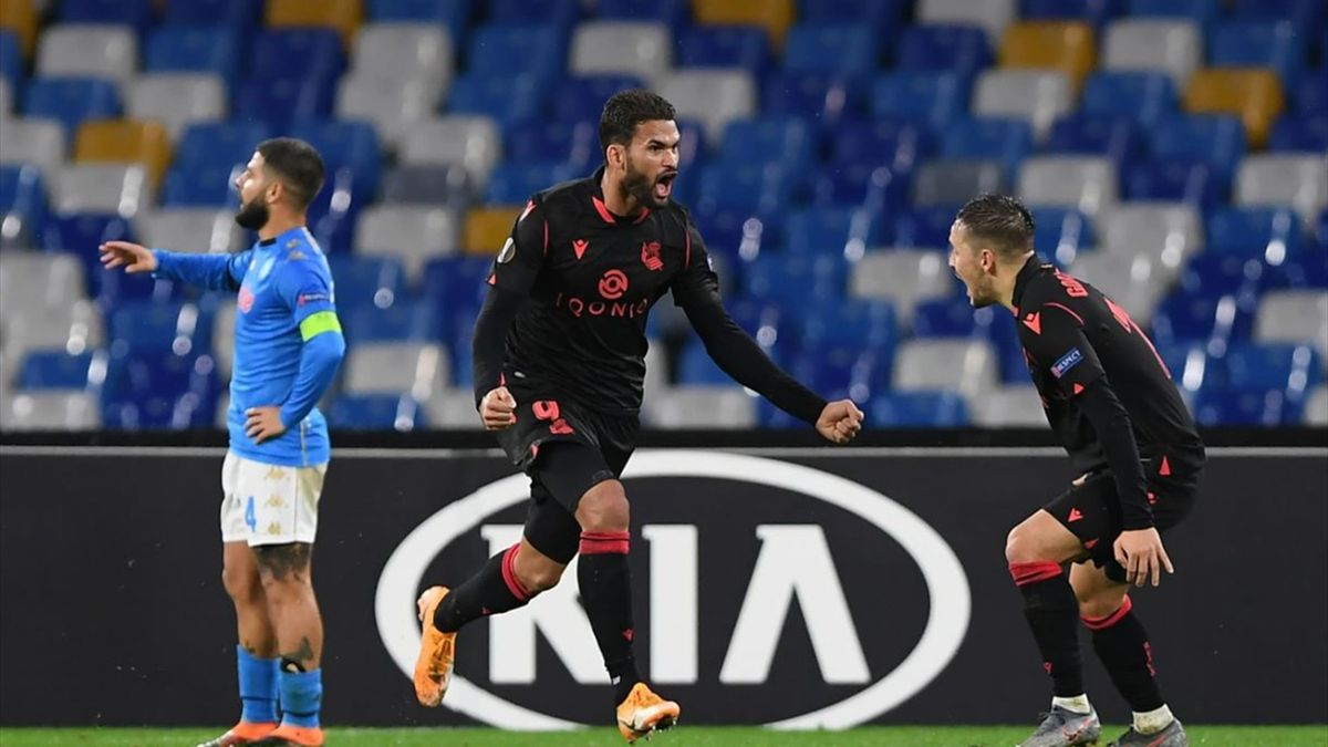 Willian Jose of Real Sociedad celebrates after he scores his sides 1st goal during the UEFA Europa League Group F stage match between SSC Napoli and Real Sociedad