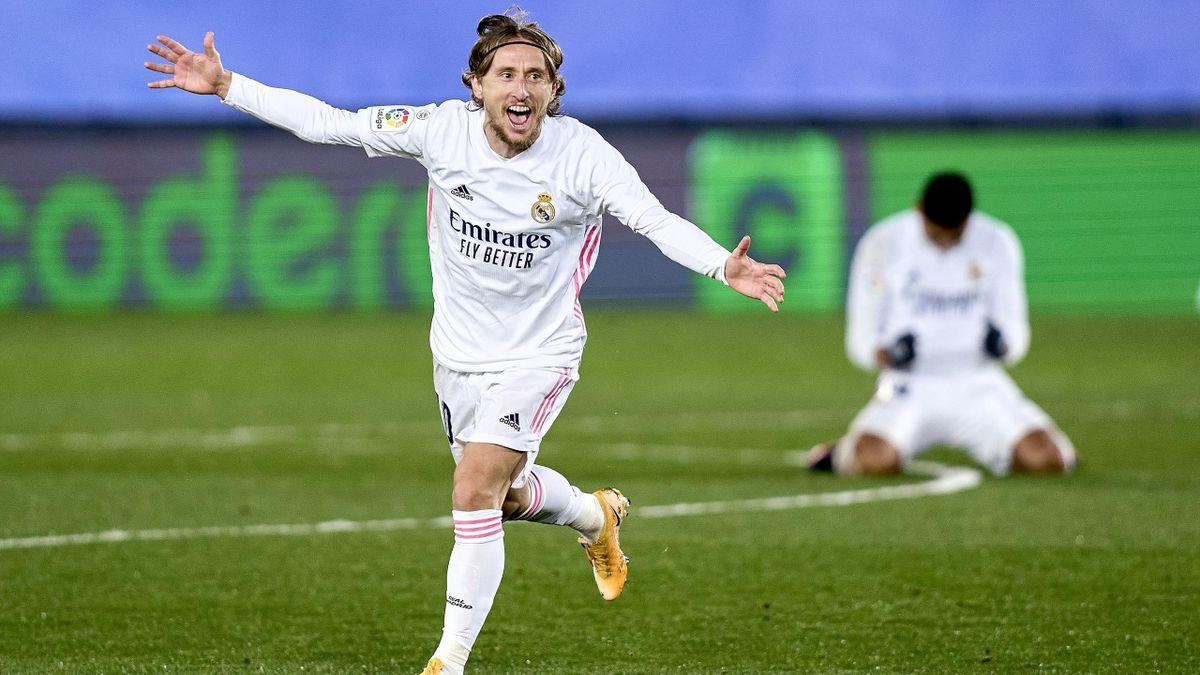 Modric celebra un gol en el Real Madrid-Atlético