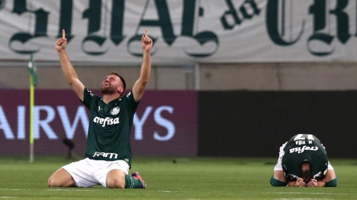 Alan Empereur celebrando el pase de Palmeiras a la final de la Copa Libertadores