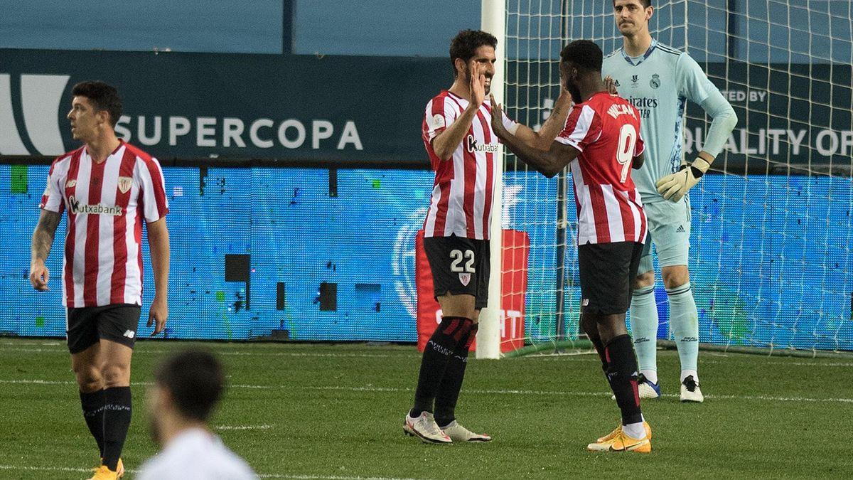 Raúl García celebra su gol en el Real Madrid-Athletic