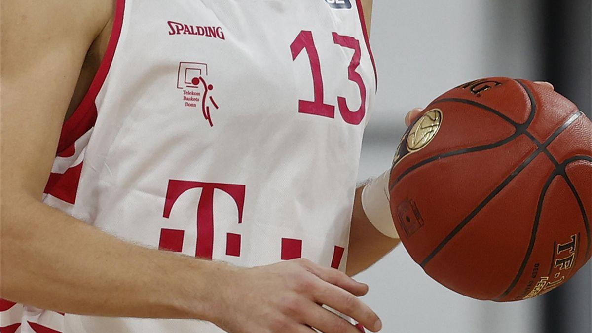 Telekom Baskets Bonn holen ehemaligen Trainer zurück