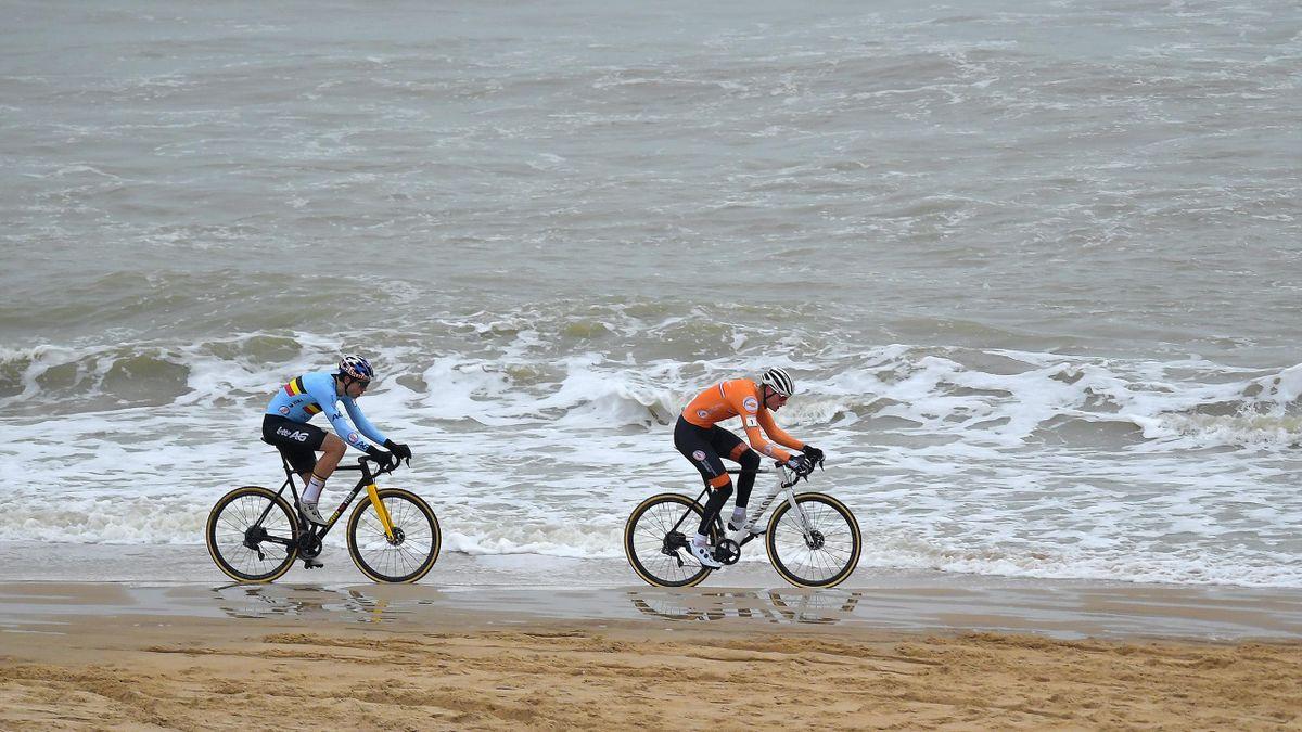 Van der Poel y Van Aert, dos colosos pedaleando sobre las aguas del Mar del Norte