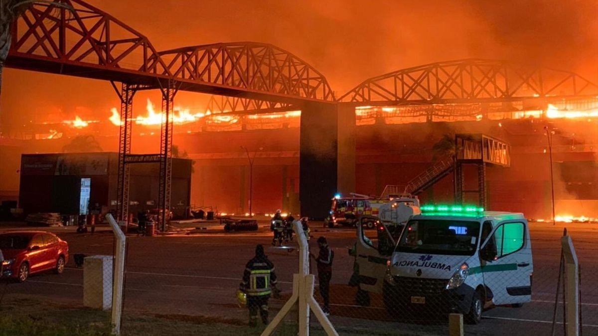 Impactante incendio en Termas de Río Hondo