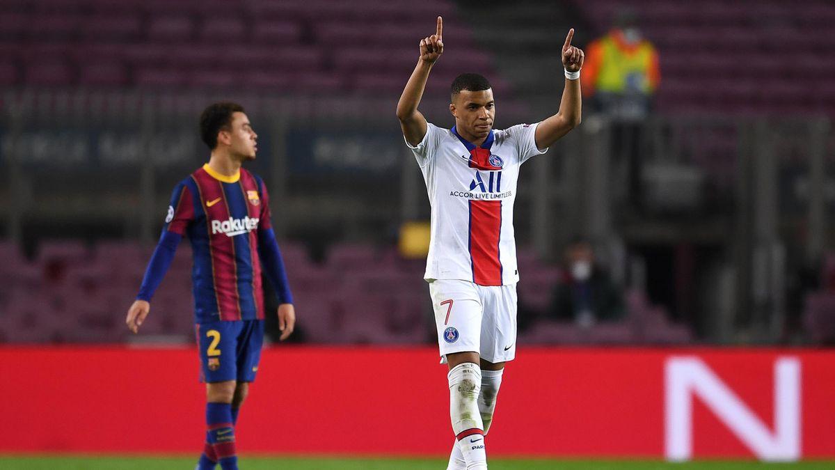 Mbappé celebra su gol en el Barcelona-PSG