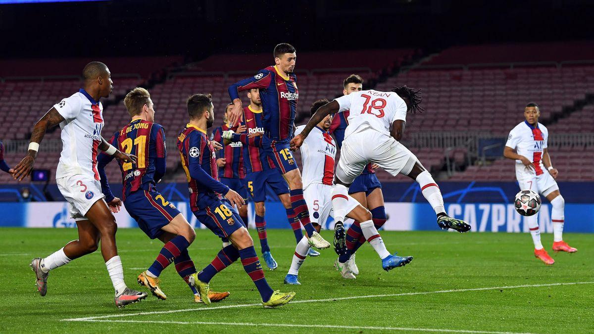 Moise Kean remata a gol en el Barcelona-PSG