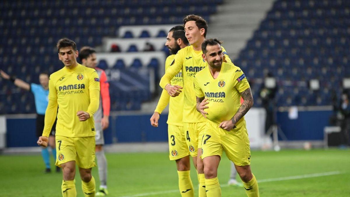 Alcácer celebra su gol ante el Salzburgo