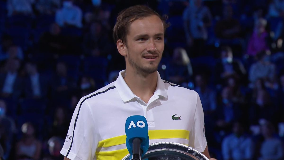 Australian open final Men's: Medvedev itw and trophee