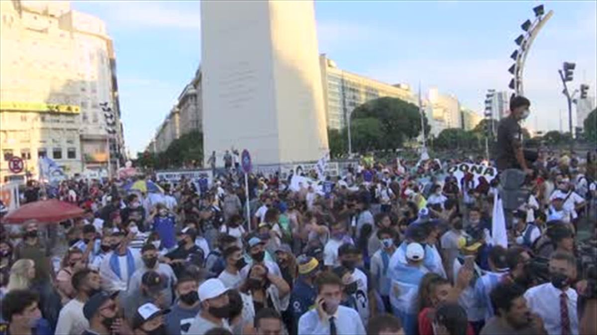 Hundreds march to push for justice over death of Maradona in Argentina