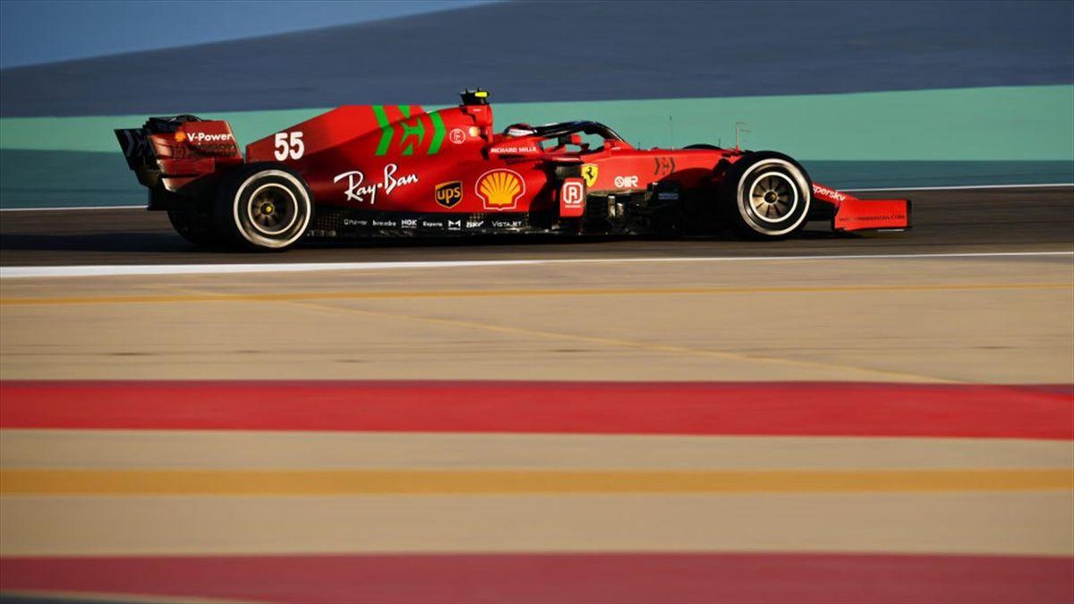 Carlos Sainz rodando con su Ferrari