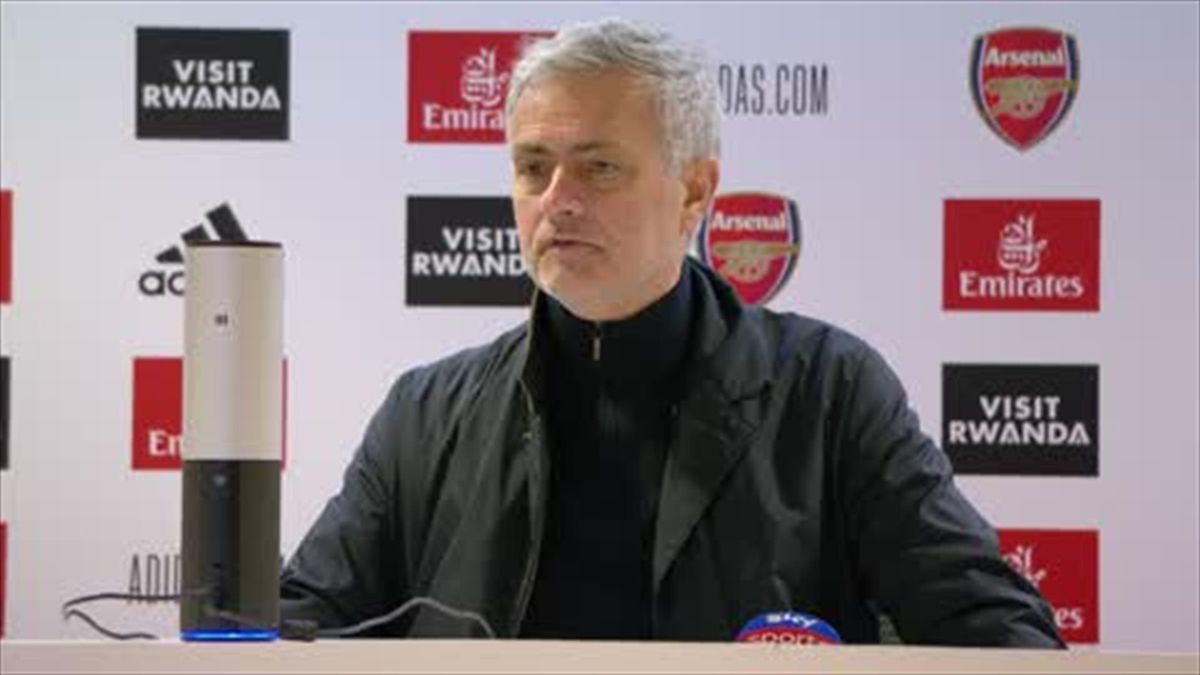 Mourinho: 'Only ref's decision worse than our performance'