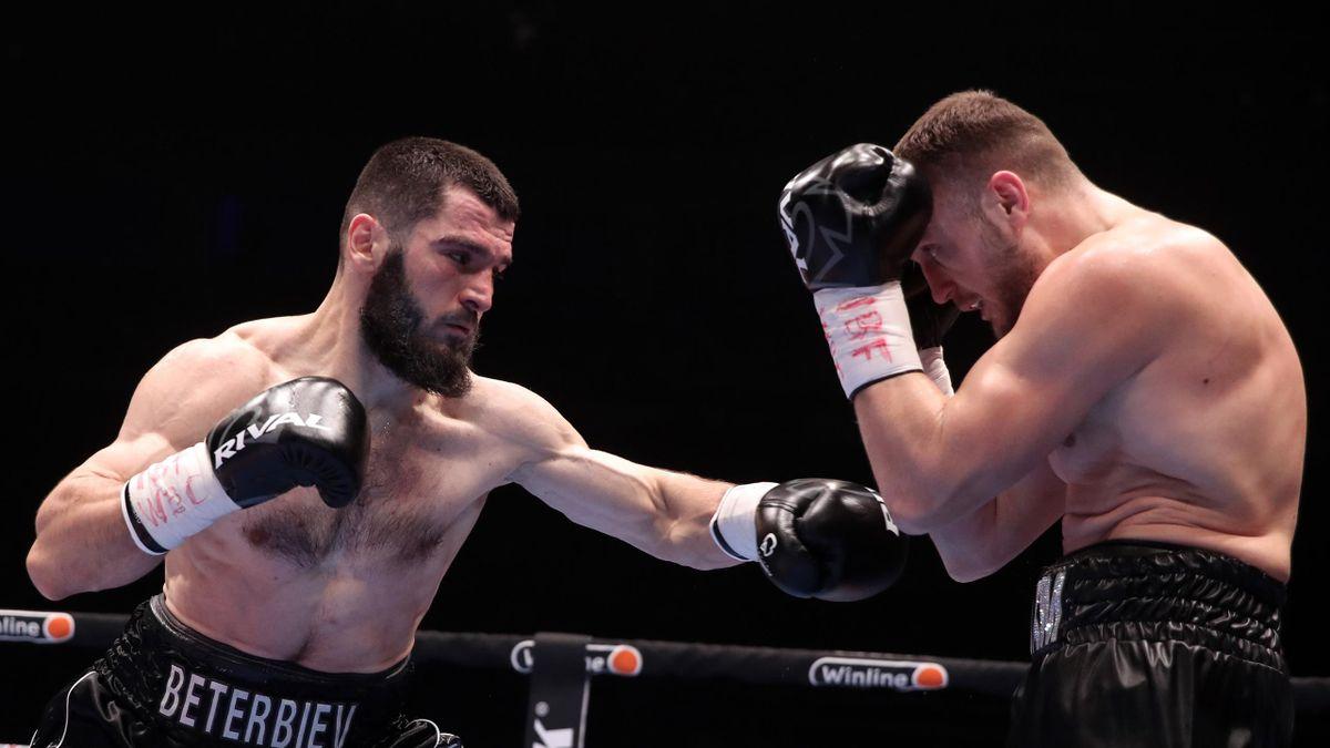 Beterbiev vuelve a ser el rey del KO y retiene el título mundial