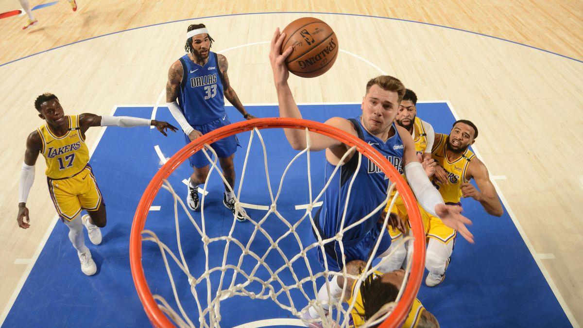 Luka Doncic, en el partido entre Dallas Mavericks y Los Ángeles Lakers: 30 puntos y casi un triple-doble