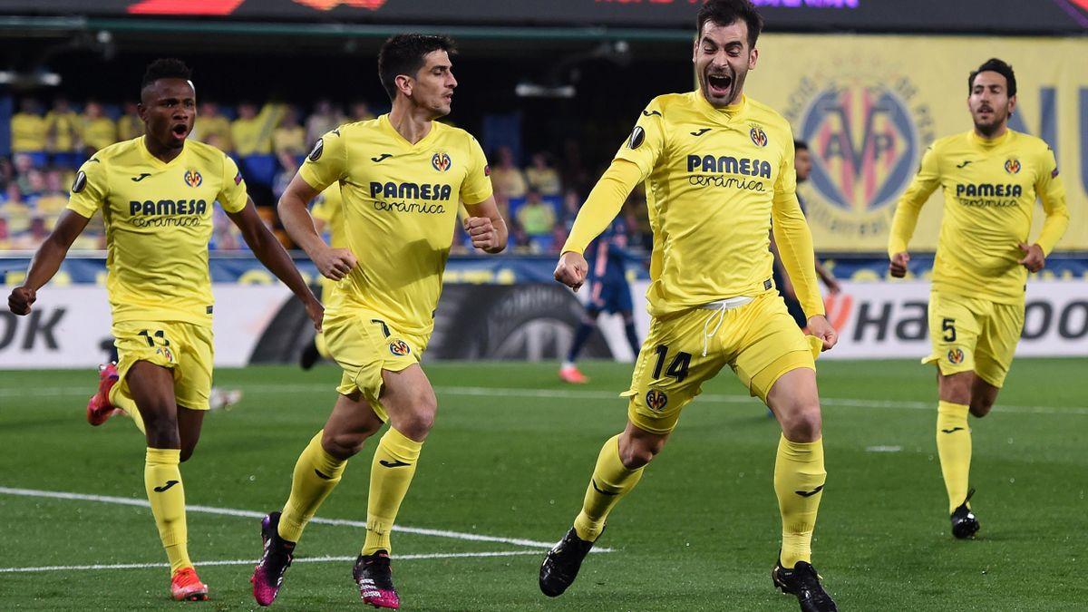 Trigueros celebra su gol en el Villarreal-Arsenal