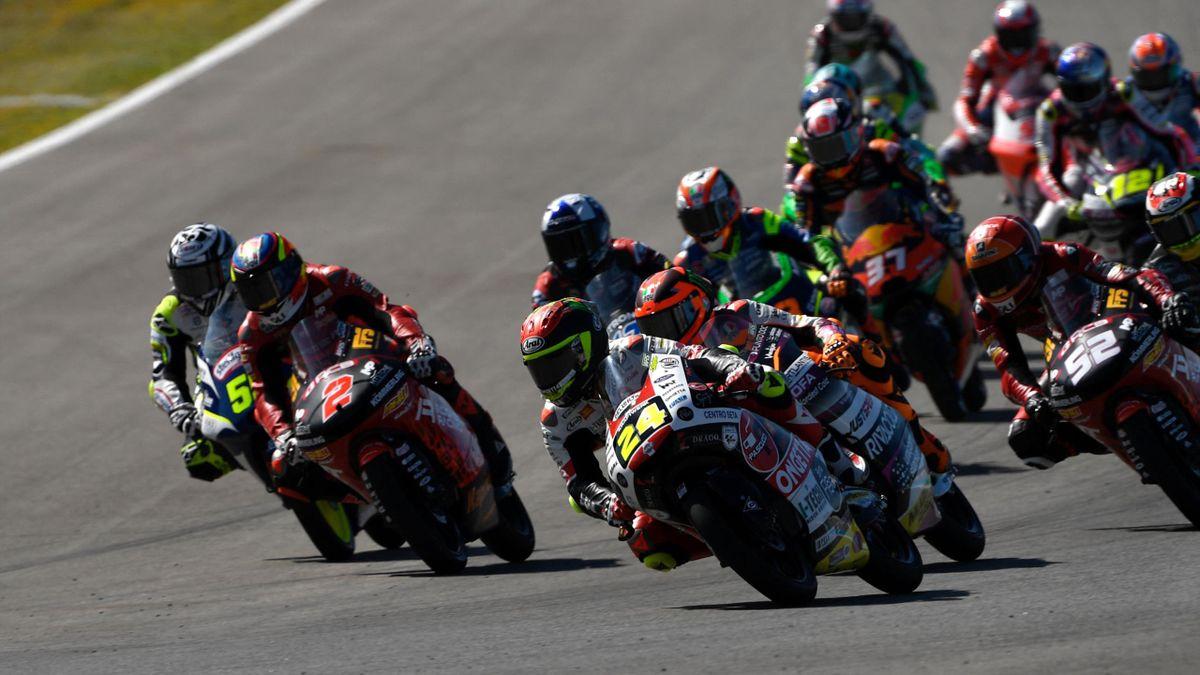 Moto 3: tanta battaglia al GP di Spagna