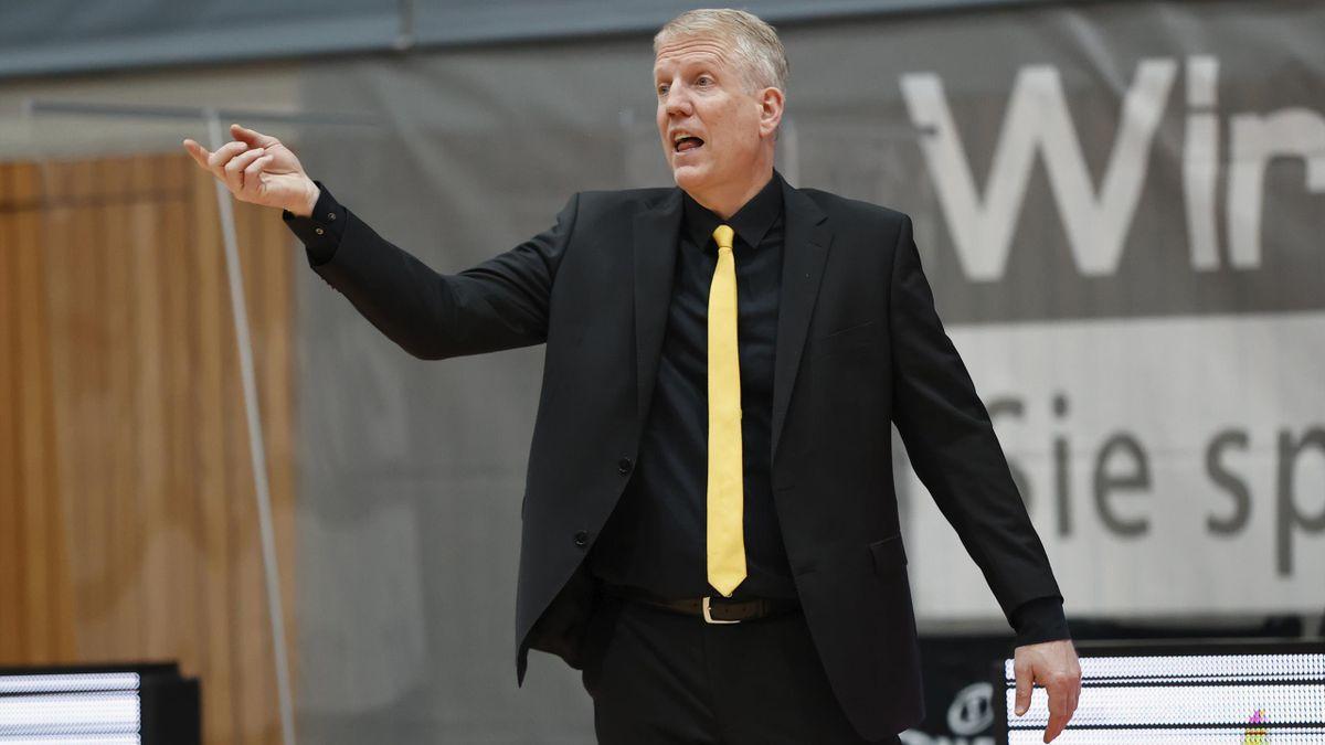 Coach John Patrick mit Ludwigsburg an der Spitze der BBL