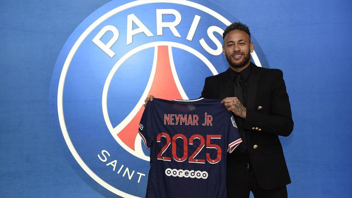 Neymar renueva hasta 2025
