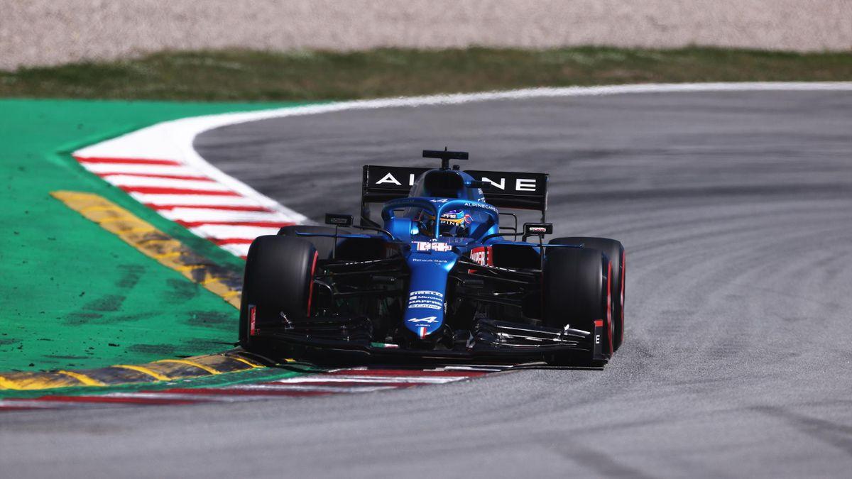 Fernando Alonso, durante los entrenamientos libres del GP de Españ