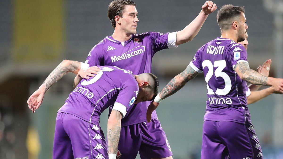 Vlahovic esulta dopo il gol alla Lazio
