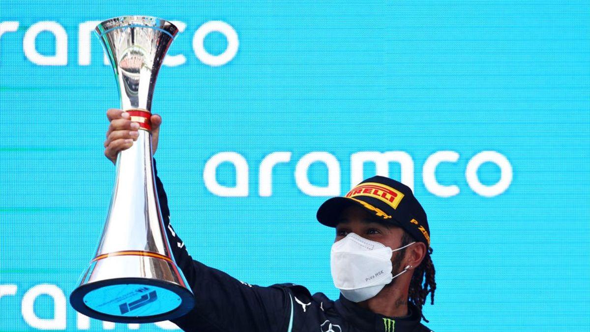 Resumen GP España: Hamilton gana la batalla de las estrategias