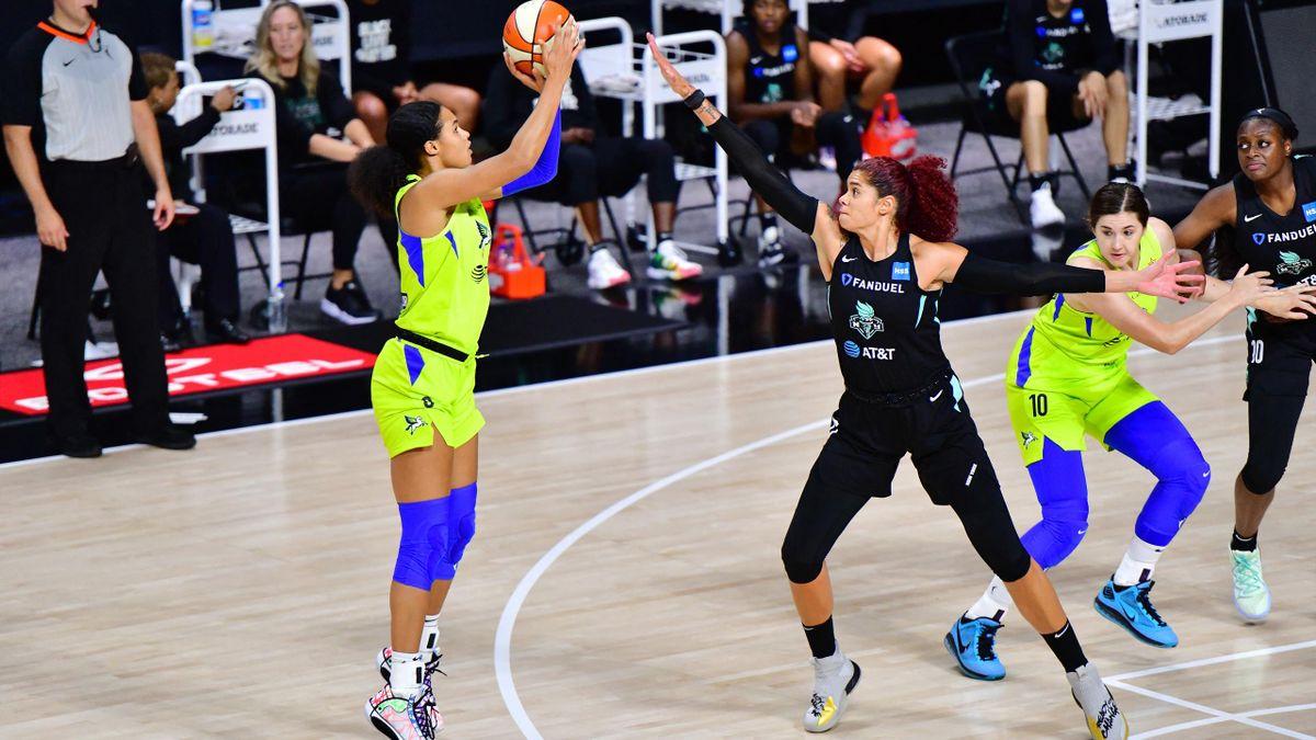 Satou Sabally (l.) spielt in der WNBA für Dallas