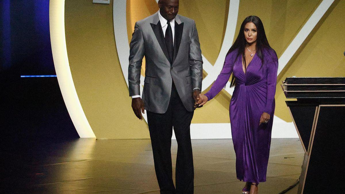 Hand in Hand auf die Bühne: Jordan und Vanessa Bryant