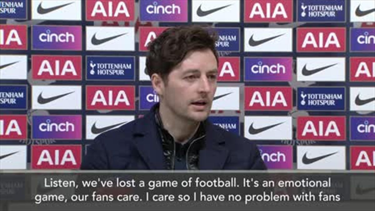'Nothing wrong with crowd reaction' - Mason on Spurs fans booing
