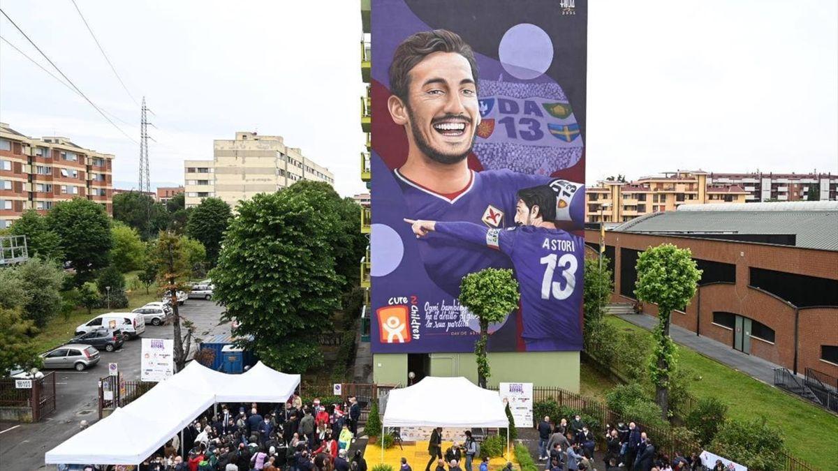 Firenze ricorda Astori: il nuovo murale dedicato a Davide (foto Twitter Fiorentina)