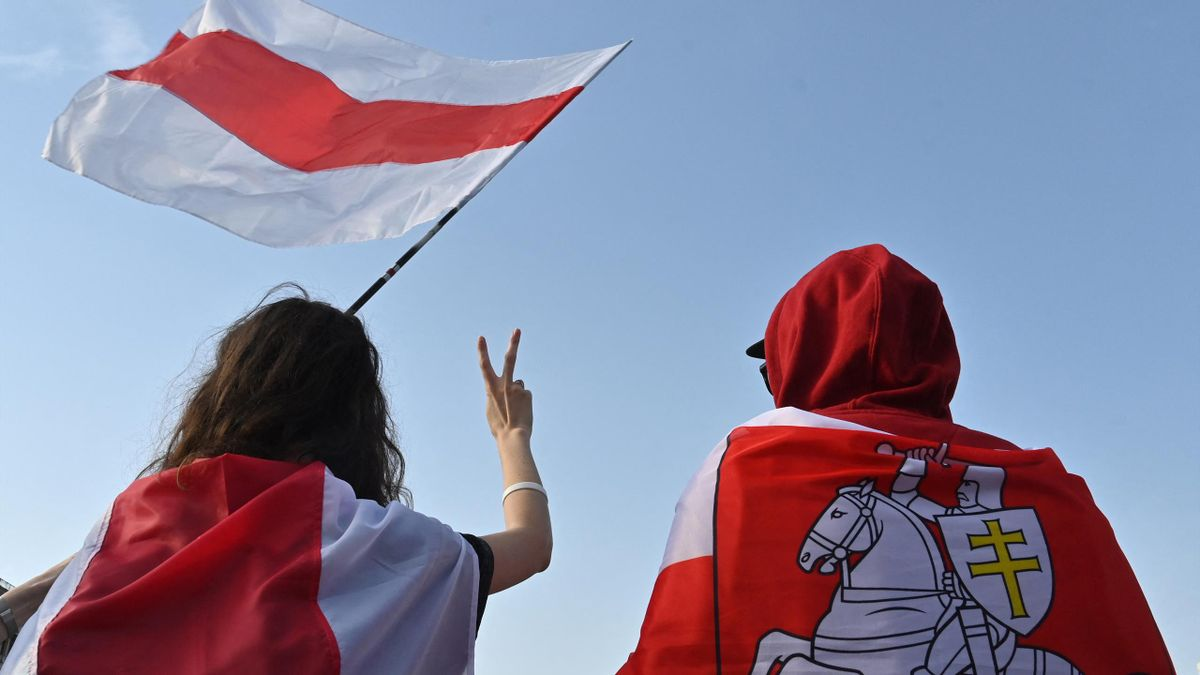 Fahnen der belarussischen Opposition bereiten Ärger